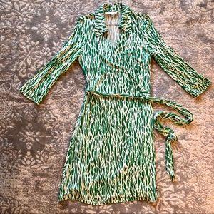 Diane Von Furstenberg Vintage Print Warp Dress